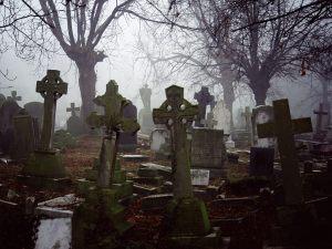 Misty Graveyard, Halloween