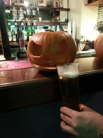 Drunk pumpkin. Pumpkin carving & pizza, CSA. October 2013. By Rodrigo.