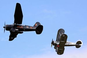 800px-Lysander_and_Gladiator_-_Shuttleworth_Airshow_(4761852274)